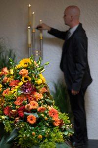 Fototermin im Hause Willenbücher: Ist die Dekoration fertig, werden die Kerzen angezündet