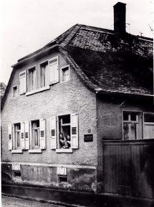 1912: Das Elternhaus im Herdweg 6