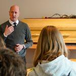 Schüler beim Bestatter – Frank Willenbücher