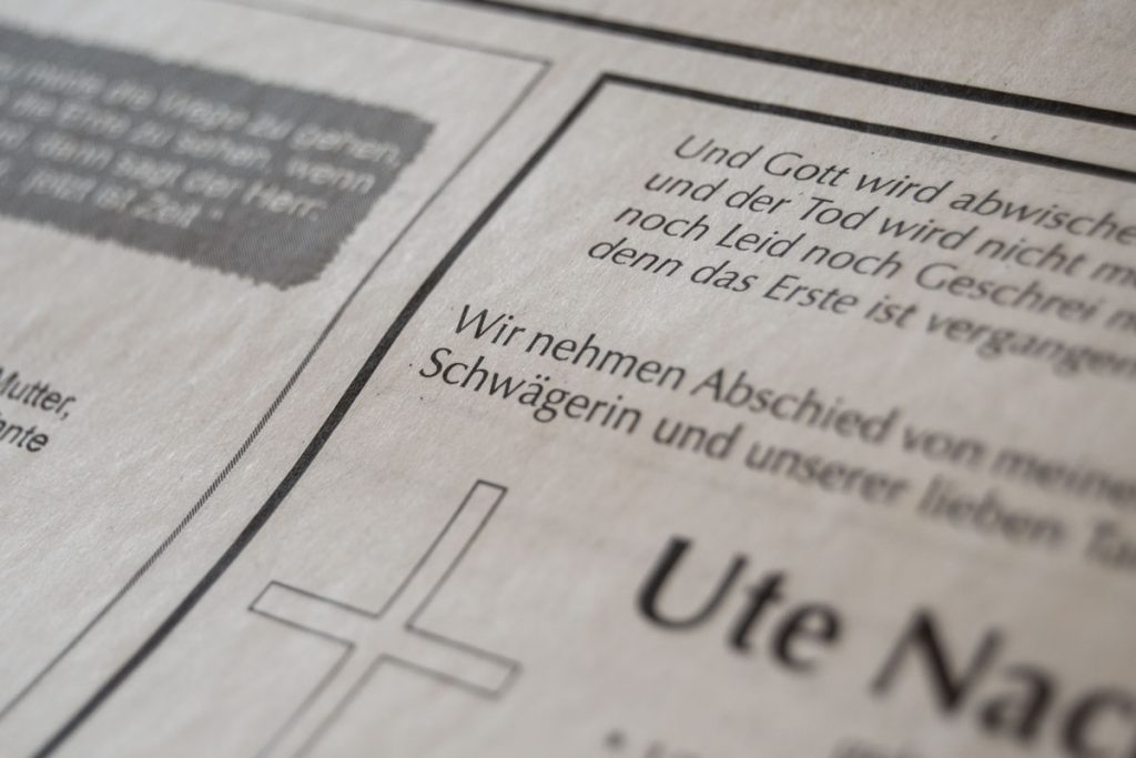 Todesanzeigen in der Tageszeitung